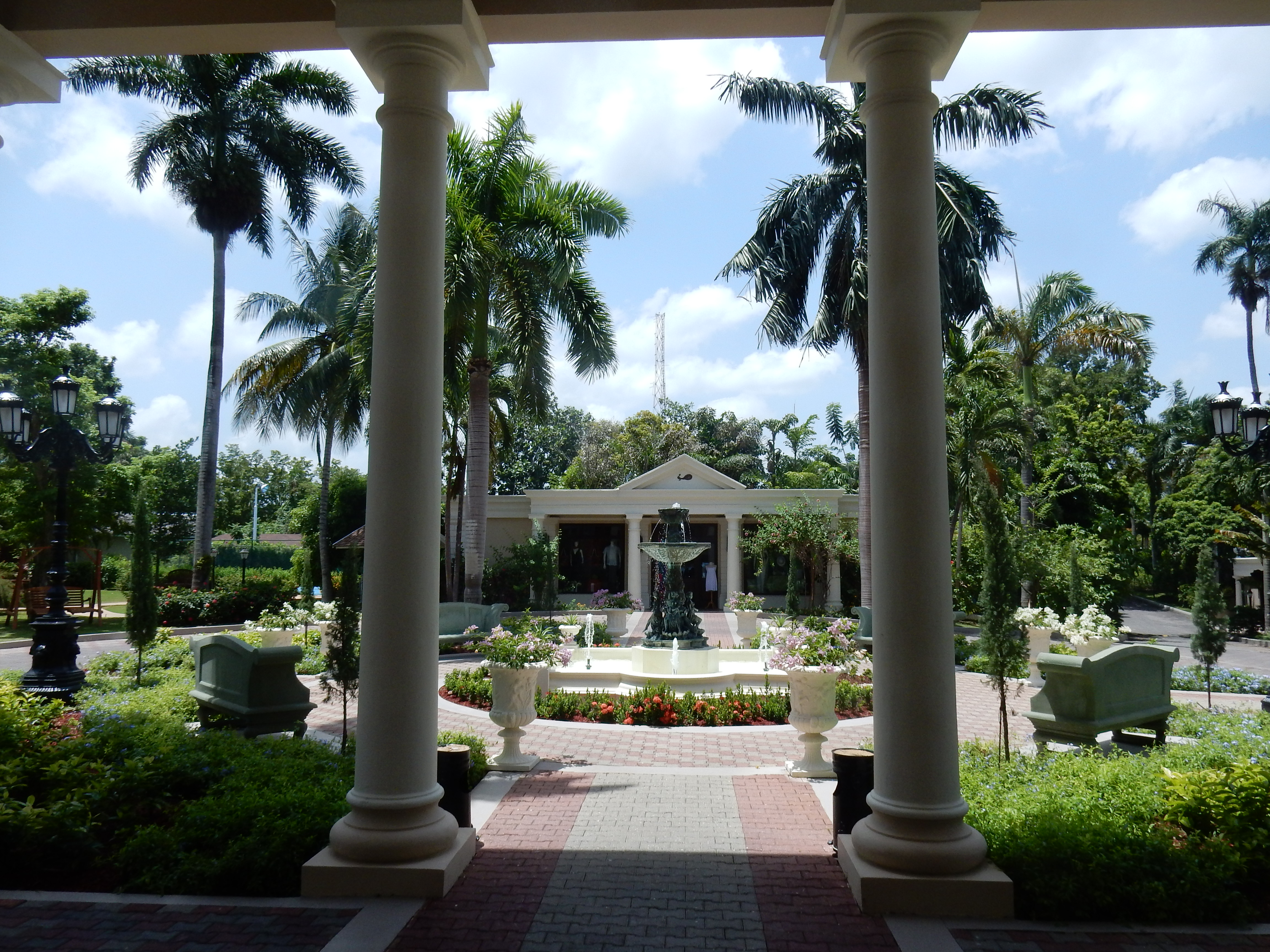 The Royal Pavilion at Sandals Jamaica. Wouldn't this be a great spot for a ceremony?